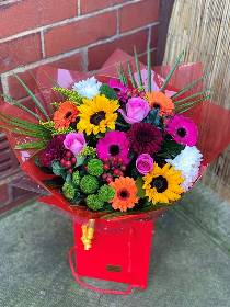 Florists Choice. Cheaper flowers delivered in Halifax. Valentines, mothers day